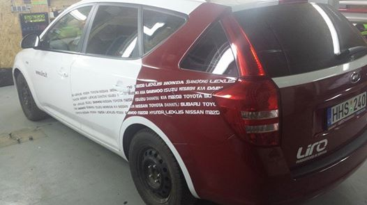 Lirosta automobilio apklijavimas lirosta